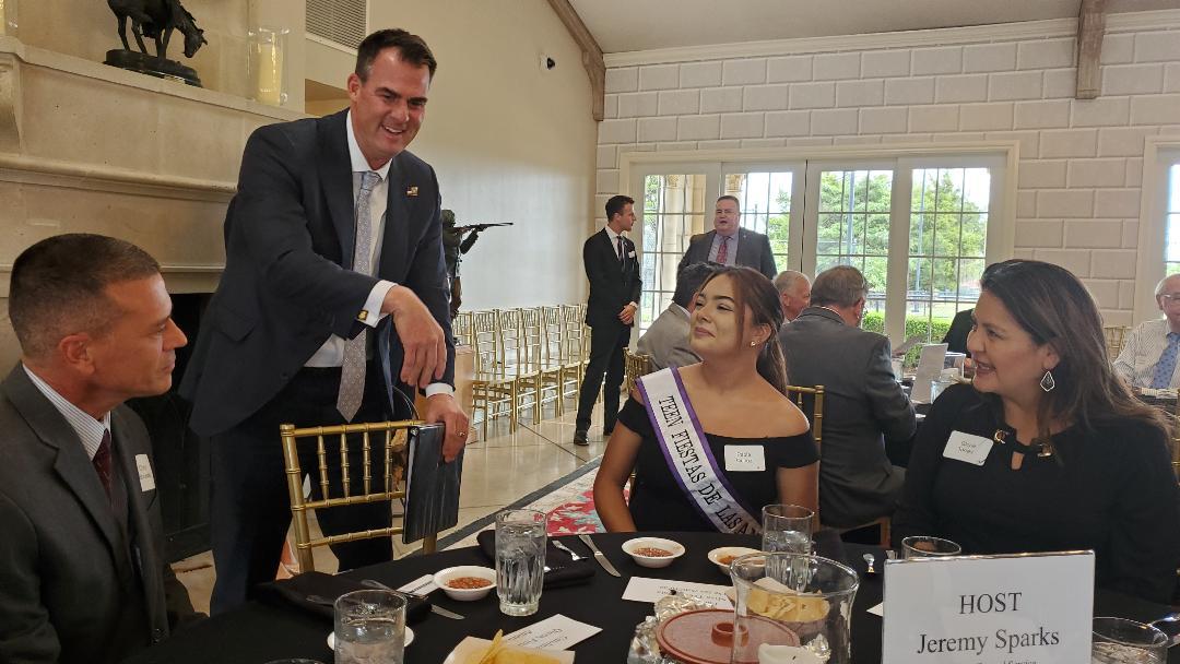 Gobernador hace suyo proyecto de Consulado Mexicano